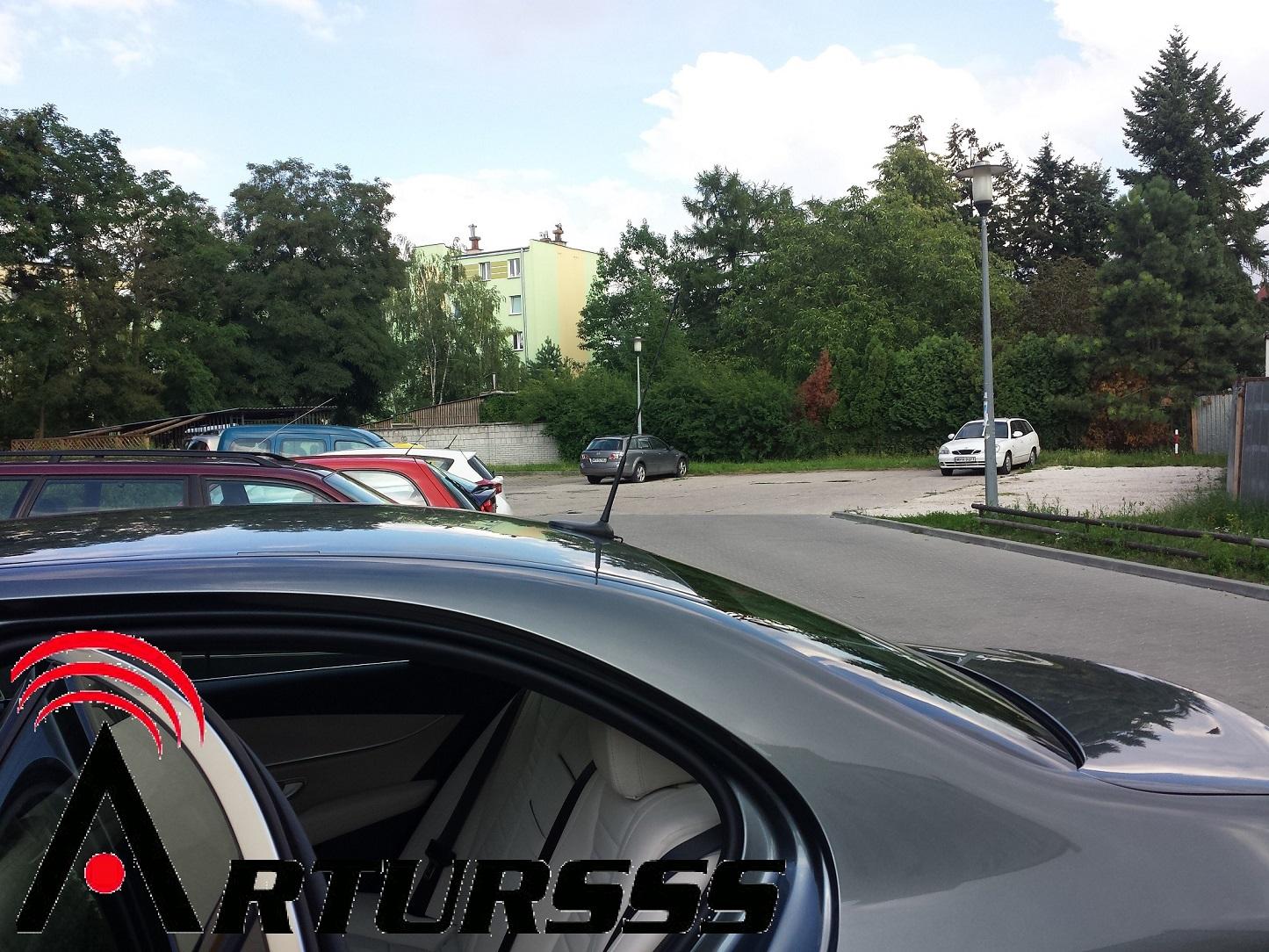 Antena CB Mercedes E220d dyskretnie